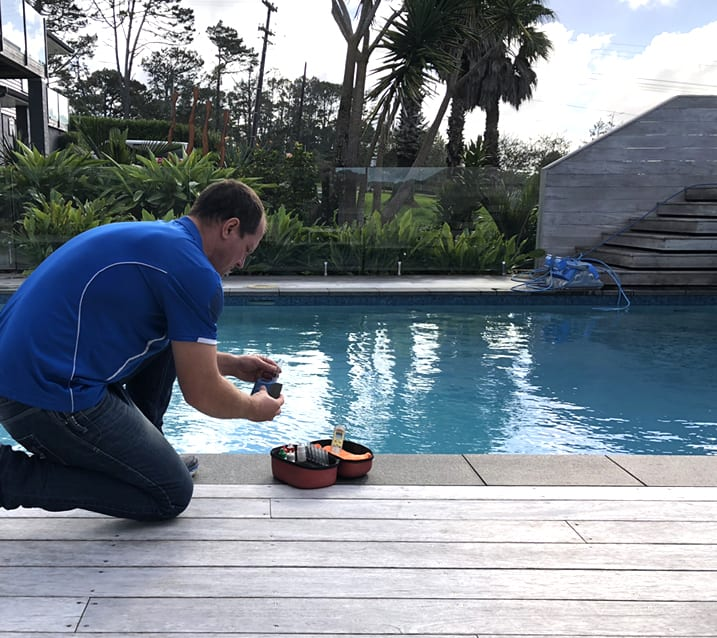Green Pool Recovery - Pool Cleaning & Valets